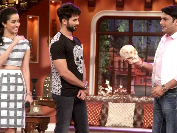 Shahid Kapoor Steals Show Comedy Nights Kapil Quick Wit Humour