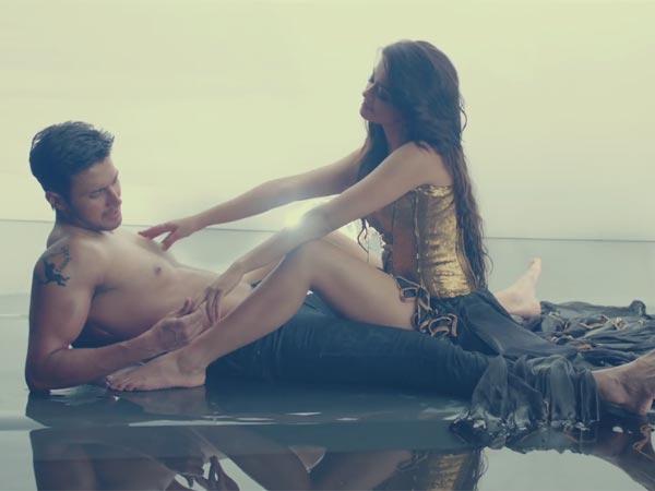 Surveen Chawla Hot Scenes Creature 3d Film