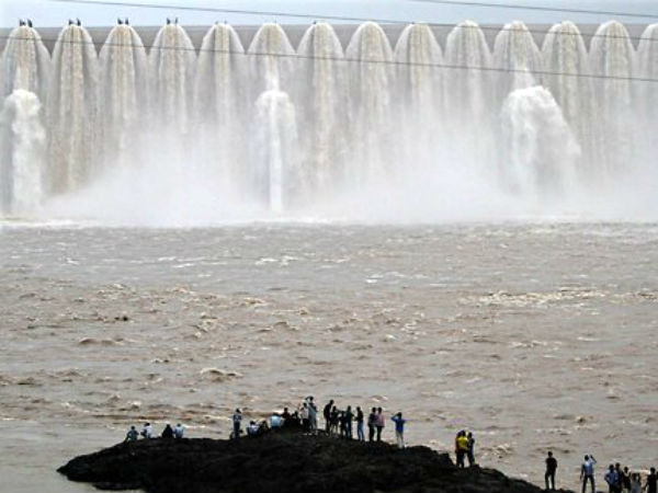 Heavy Rain Affect Gujarat Government Declared Alerts In This Districts
