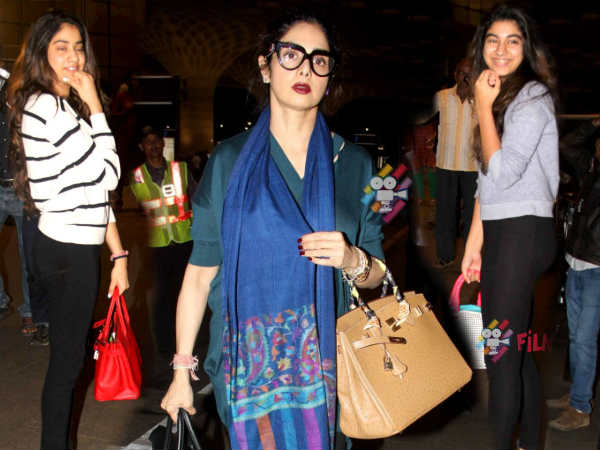 Sridevi Boney Kapoor With Daughters Khushi Jhanvi Snapped At Airport