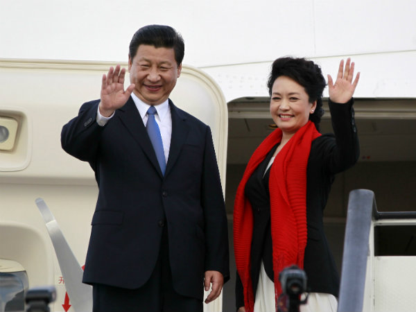 Xi Jinpings Singer Wife Peng Liyuan Go Charm Offensive