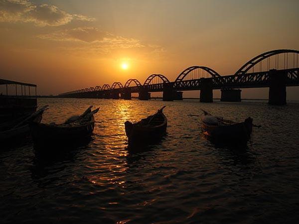 Most Popular Bridges India Take Tour Pics