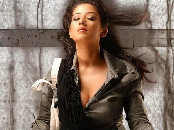 Manisha Koirala Rajkumar Santoshi S Next Film
