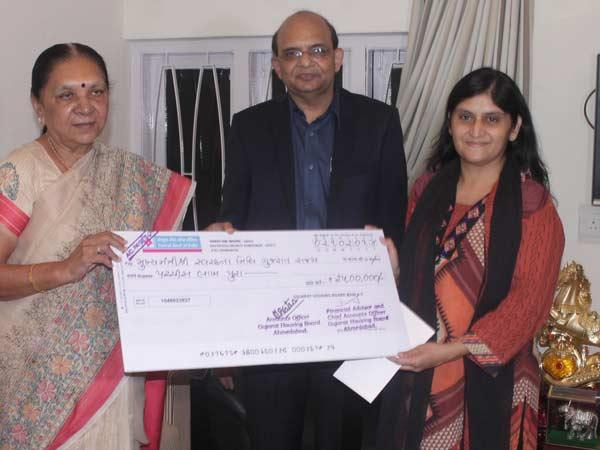Gnfc Donates Rs 10 57 Cr Cm S Swachhta Nidhi