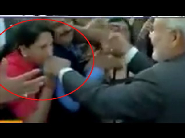 A Woman Kissed On Pm Narendra Modi S Hand Washington