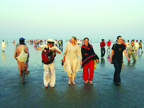 Must Visit Once Gujarat S Historic Dandi Beach