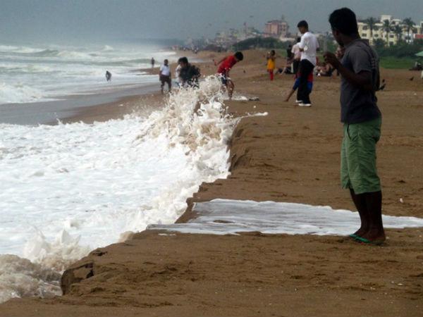 Cyclone Hudhud 60 Km From Vishakhapattanam Coast In Andhra Pradesh
