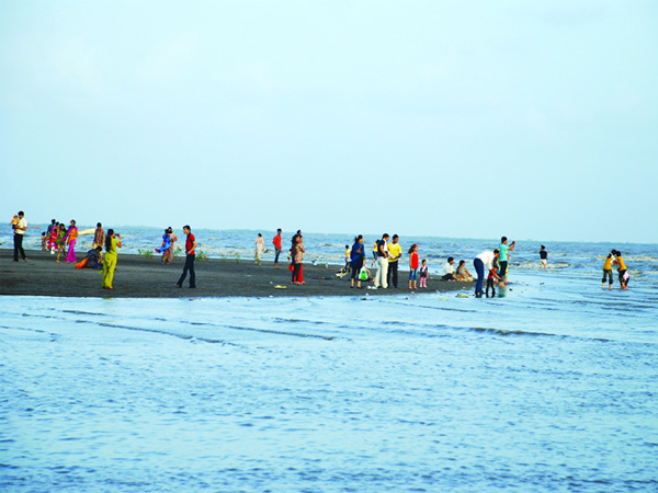 Dumas Beach Is Horror Destination Gujarat