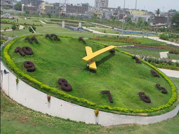 World S Biggest Garden Clock Will Start Ticking Again Surat