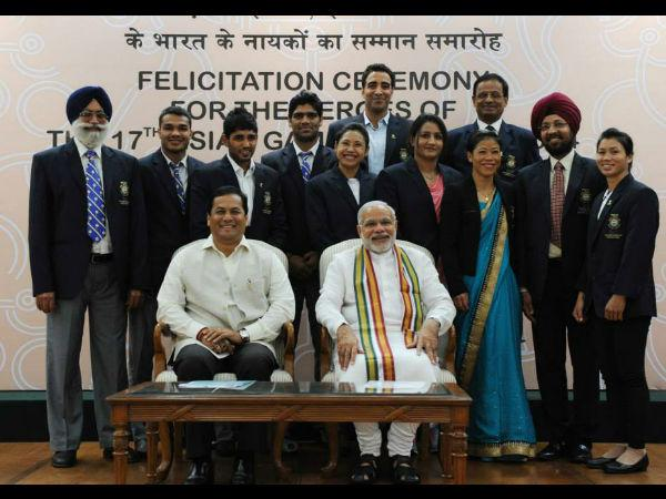 Photos Pm Modi Felicitates Asian Games Medal Winners