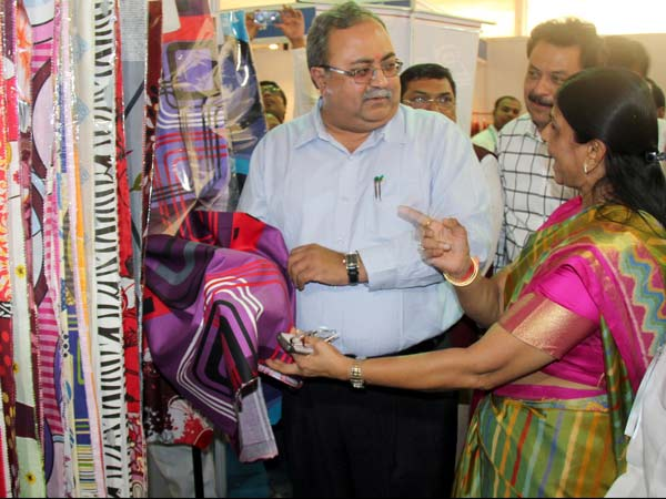 Indian International Fabric Expo 2014 Start Ahmedabad