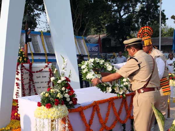 Tributes Paid Slain Cops On Police Divas Gujarat