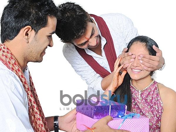 Know Why Bhaidooj Celebrates After Diwali Diwali Bhaidooj Gifts