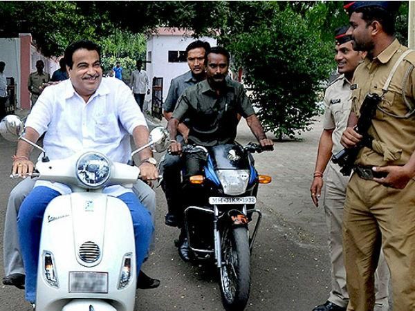 Nitin Gadkari Rides Scooter Without Helmet Nagpur