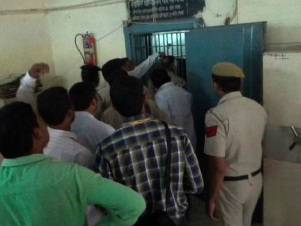 Robbers Dig 100 Feet Tunnel To Loot Bank In Haryana