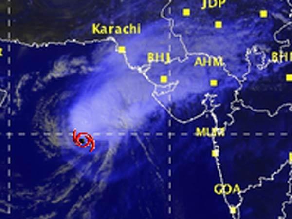Cyclone Nilofar Weakens Further But Gujarat Remains On Alert