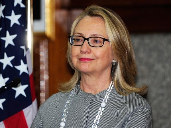 Hillary Clinton Praises Prime Minister Narendra Modi S Focus On Sanitation