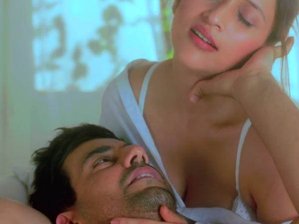 Vulgar Scenes Zid Trailer Starring Priyanka Cousin Mannara