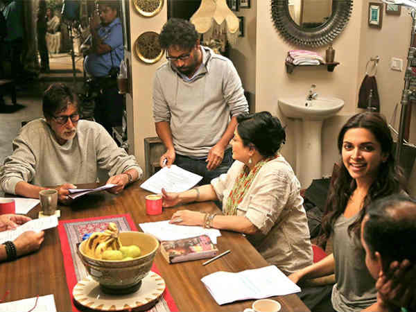 Amitabh Bachchan Gets Family Pack Piku