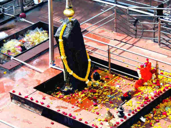 Tips Worshiping Shanidev Get Peach Happiness