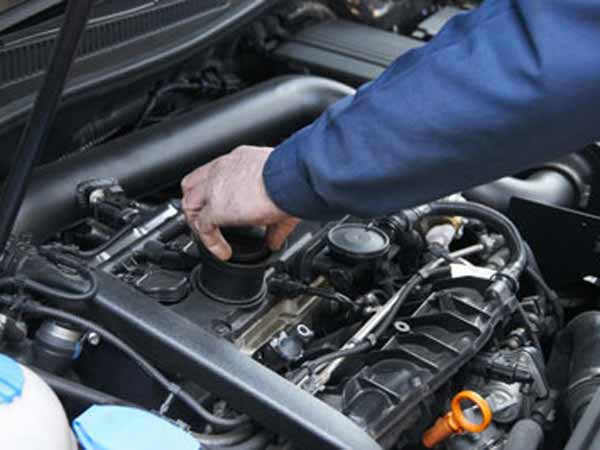 5-things-in-your-car-you-could-fix-00