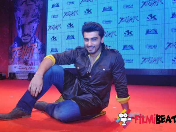 Video Arjun Kapoor Sonakshi Sinha Starring Tevar Trailer