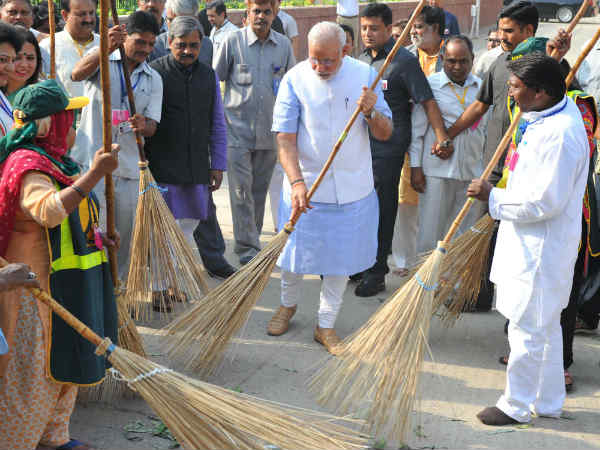 Shahrukh Khan Denied Join Pm Modi S Clean India Campaign