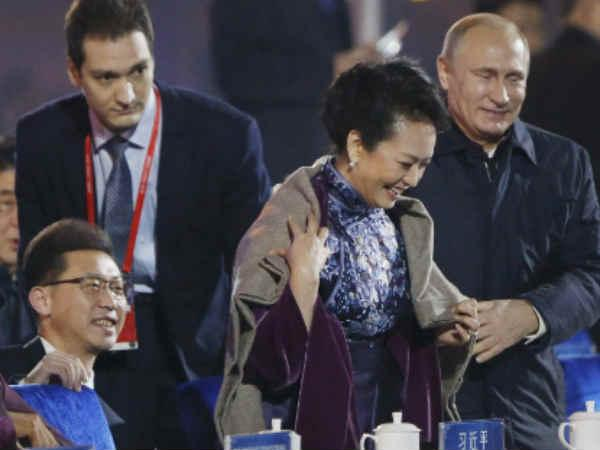 putin-moments-with-chinese-first-lady