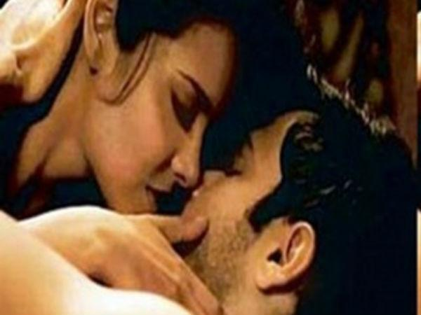 top-10-kissing-scene-emraan-raja-natwarlal-9