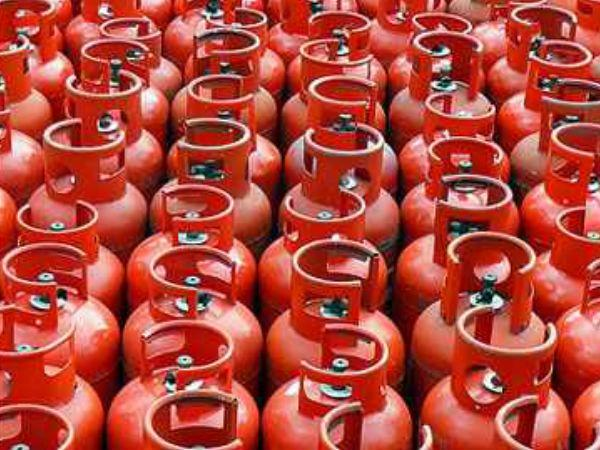 Non Subsidized Lpg Rate Cut Rs 113 Jet Fuel Prices 4 1 Per Cent