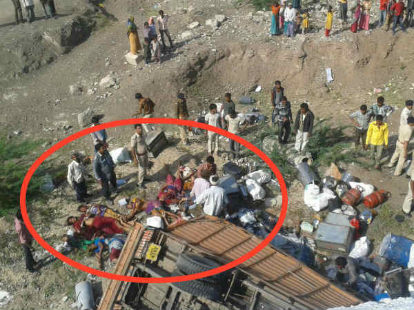 Gujarat Truck Plunge Shetrunji River Near Amreli 12 Dead