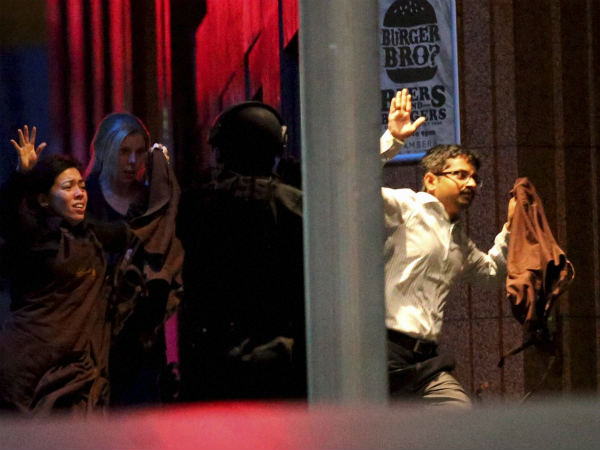 isis-gunman-take-several-people-hostage-sydney-9