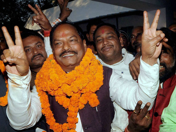 Raghubar Das Sworn In As Jharkhand Chief Minister Modi Skip Oath Taking Ceromony