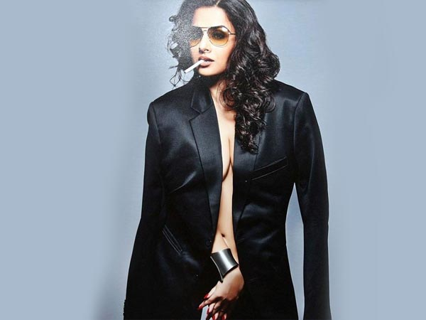 Vidya Balan Birthday Hottest Sensual Seductive Pictures