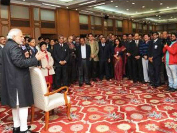 Pm Celebrates New Year With Pmo Officials Employees