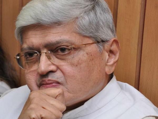 Gopalkrishna Gandhi Rejects Modi Govt S Invitation 13th Nri Day Function