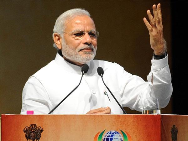 Prime Minister Addresses Nri S Gurat Pravasi Bhartiya Sammelan