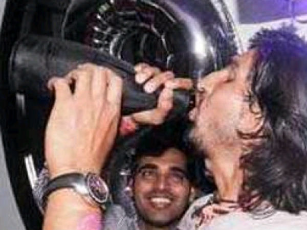 Pics Indian Team Caught Partying Sydney Night Club With Wine And Girls