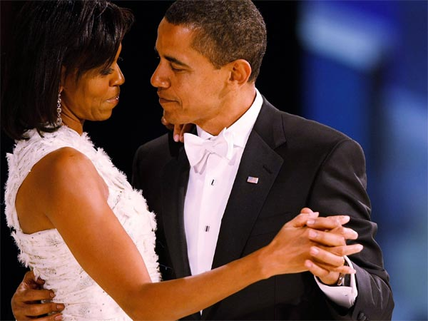 Michelle And Barack Obama Most Romantic Pics Birthday Special