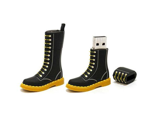 Doc Martens Boot USB 4/20