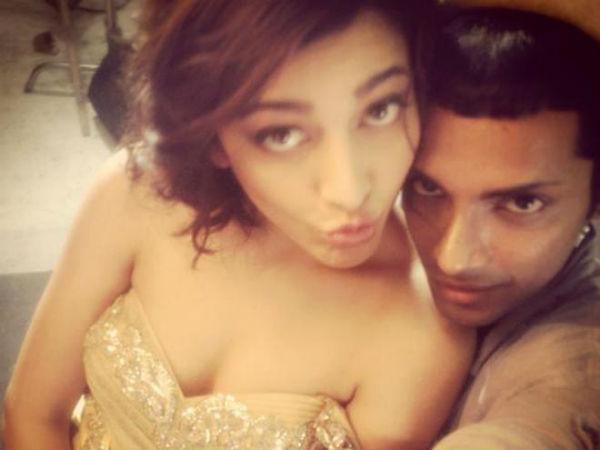 Shruti Haasan Unseen Candid Selfie Pics