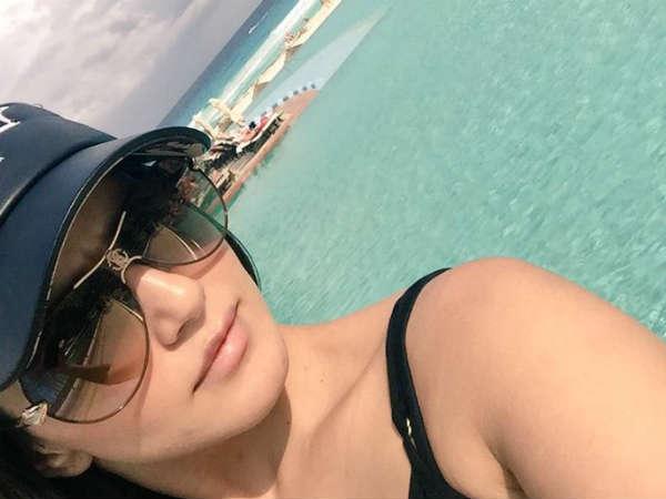 Sunny Leone Unseen Candid Selfie Pics