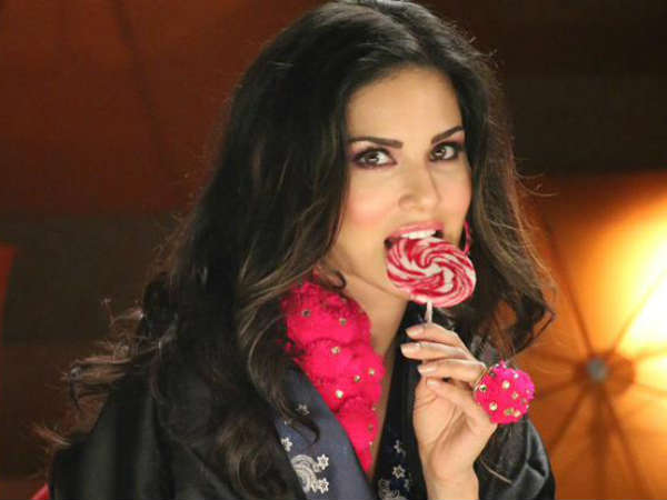 Sunny Leone With Candies On The Sets Of Ek Paheli Leela