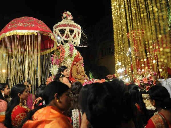 After Royal Wedding Lalu Prasad Mulayam Singh Become Relativ