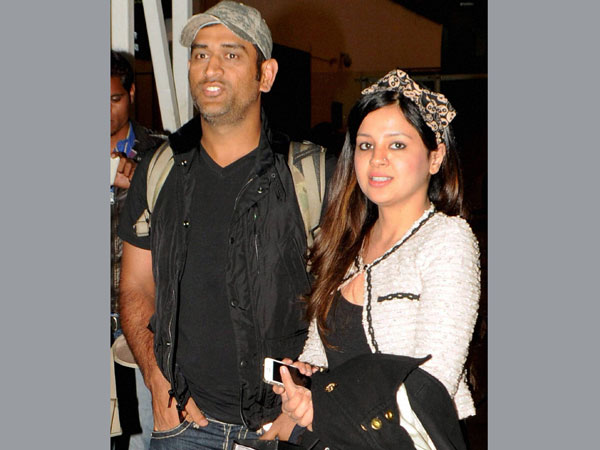 Photo First Look Mahendra Singh Dhoni S Little Daughter Ziva
