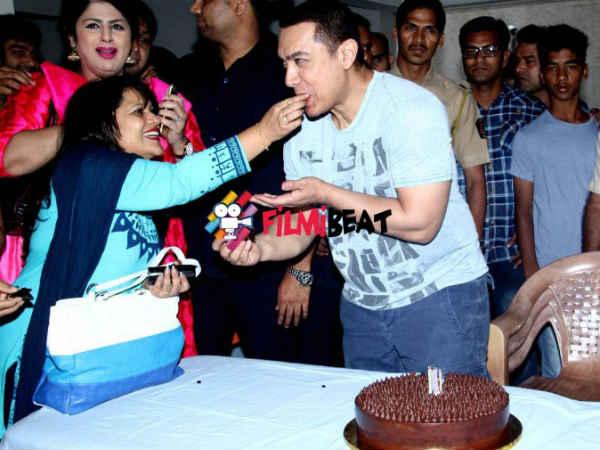 Aamir Khan Celebrates His 50th Birthday With Media