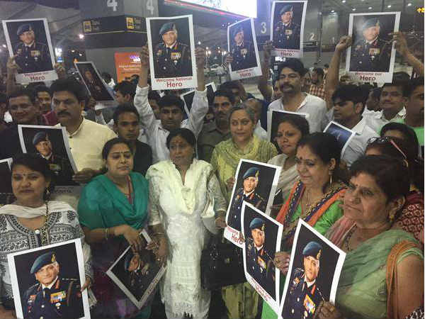 After Successful Evacuation From Yemen Vk Singh Return India Gets Warm Welcome