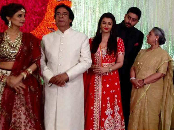 Pics Aishwarya Rai Steals Limelight Naina Bachchan Reception