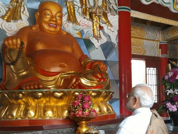 Video Pm Narendra Modi Visits Daxingshan Temple China