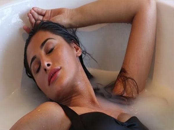 Sizzling Celebs Bathtub